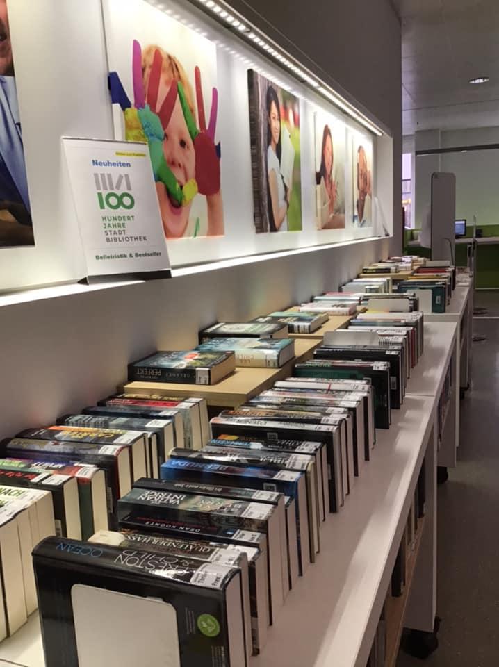 Neu erschienene Bücher im Regal